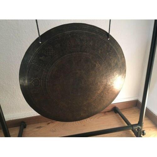 Тибетски ръчно гравиран гонг с молитви и символи. Размер 60 см.